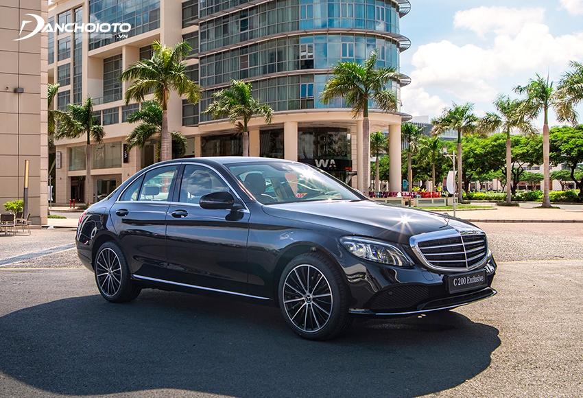 Mercedes C200 Exclusive mang vẻ sang trọng, lịch lãm phong cách cổ điển
