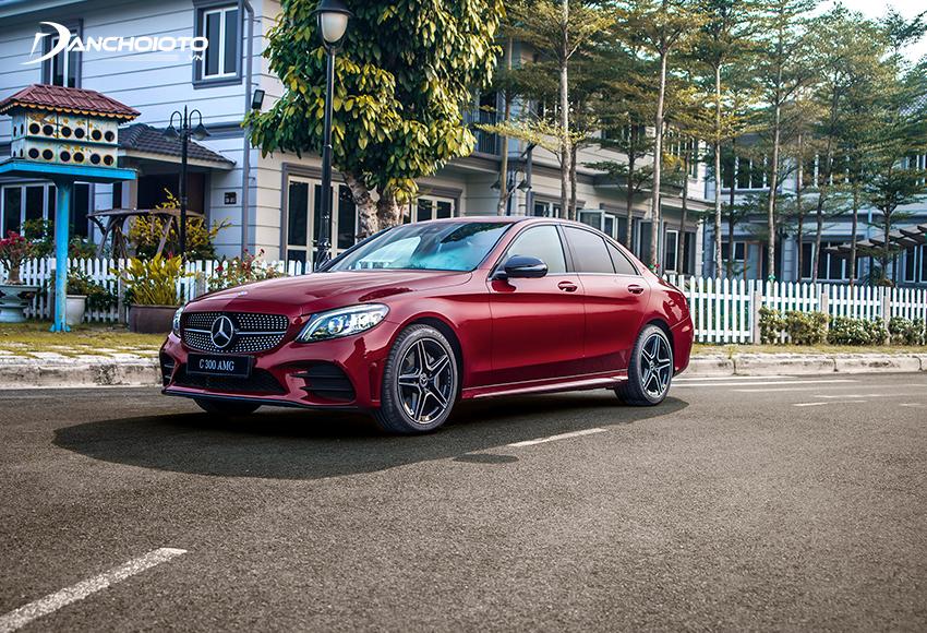Mercedes C300 AMG sở hữu thiết kế sang trọng thể thao