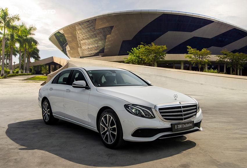 Mercedes E200 Exclusive thiết kế theo phong cách sang trọng cổ điển kết hợp hiện đại thể thao