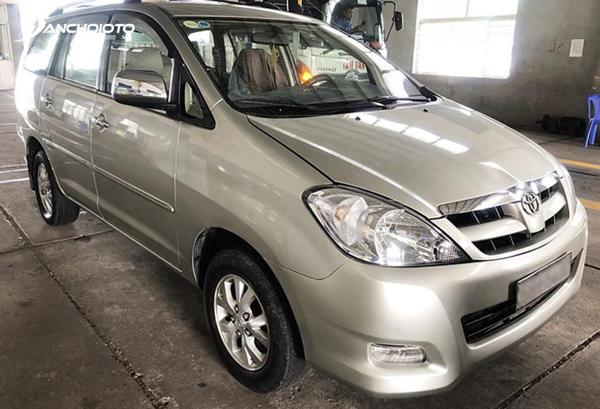 Ngoại thất Toyota Innova 2006 cũ