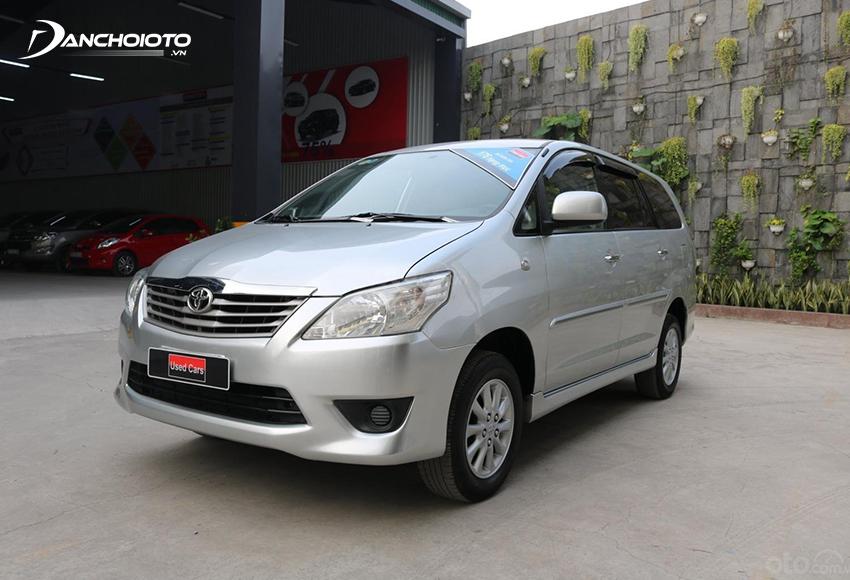 Ngoại thất Toyota Innova 2012 cũ