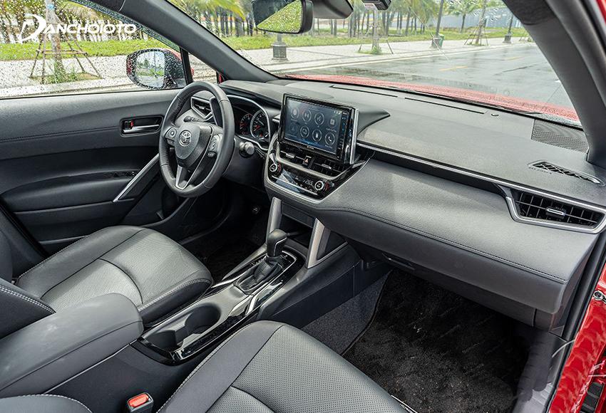 Thiết kế bên trong Toyota Corolla Cross 2020 mới mẻ và hiện đại