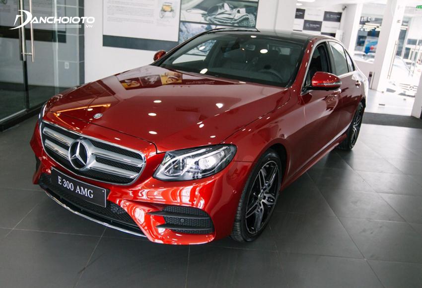 Thiết kế Mercedes E300 AMG sở hữu thiết kế đỉnh đạc nhưng không quá già dặn