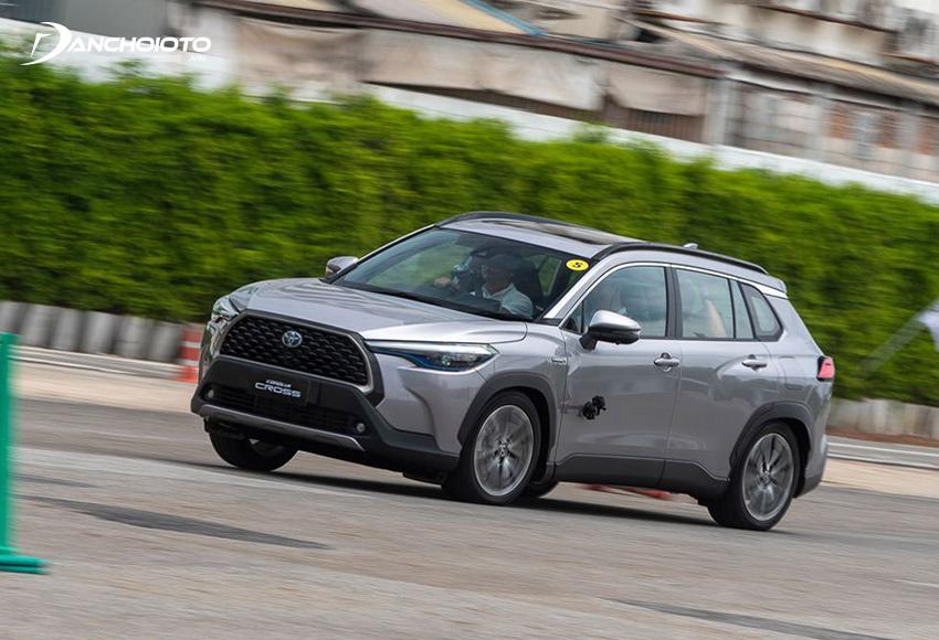Toyota Corolla Cross hybrid 2020 có khả năng tăng tốc tốt