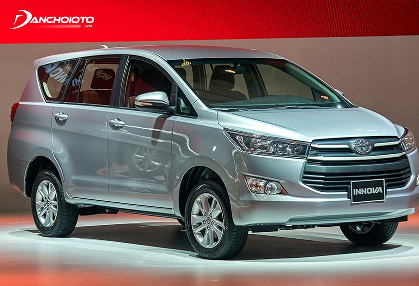 """Toyota Innova thế hệ thứ hai ra mắt vào năm 2016 với sự """"lột xác"""" hoàn toàn"""