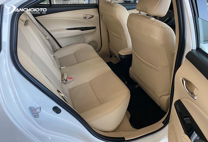 Toyota Vios cũ có cabin xe rộng rãi