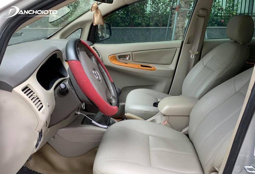 Trang bị Toyota Innova cũ chỉ ở mức đủ dùng
