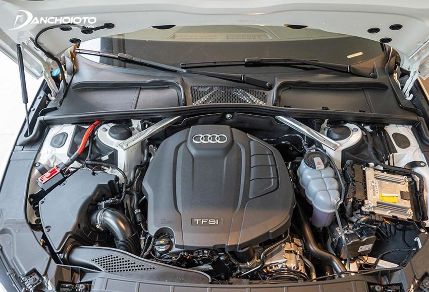 2 phiên bản Audi A4 2020 đều dùng động cơ 2.0L tăng áp kết hợp Mild Hybrid 12V nhưng công suất đầu ra tinh chỉnh khác nhau