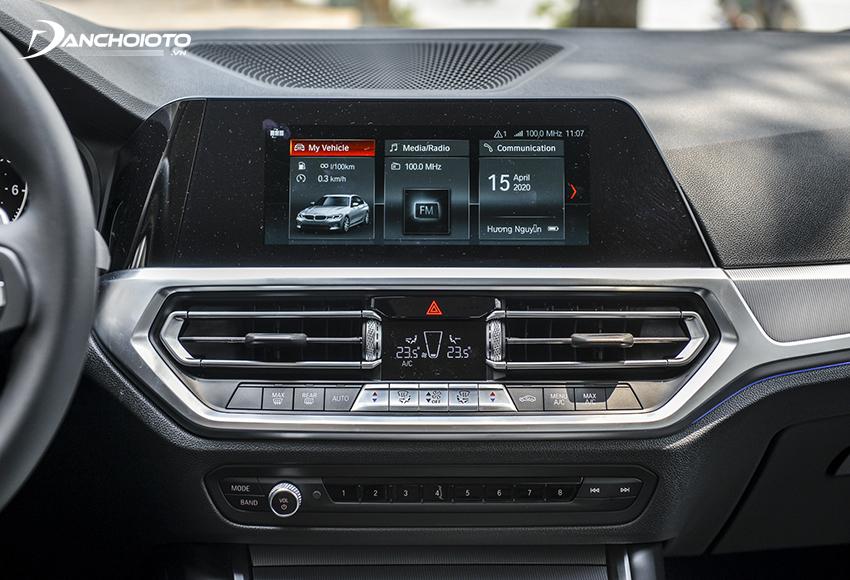BMW 320i Sport Line 2020 được trang bị màn hình trung tâm cảm ứng 8.8 inch sử dụng hệ điều hành BMW 6.0