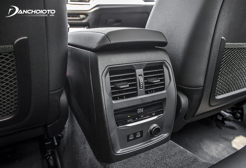 BMW 320i 2020 trang bị điều hoà tự động 3 vùng, có cửa gió hàng ghế sau
