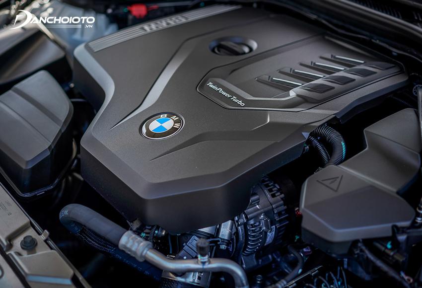 BMW 320i Sport Line và 320i Sport Line Plus sử dụng chung khối động cơ tăng áp kép 2.0L
