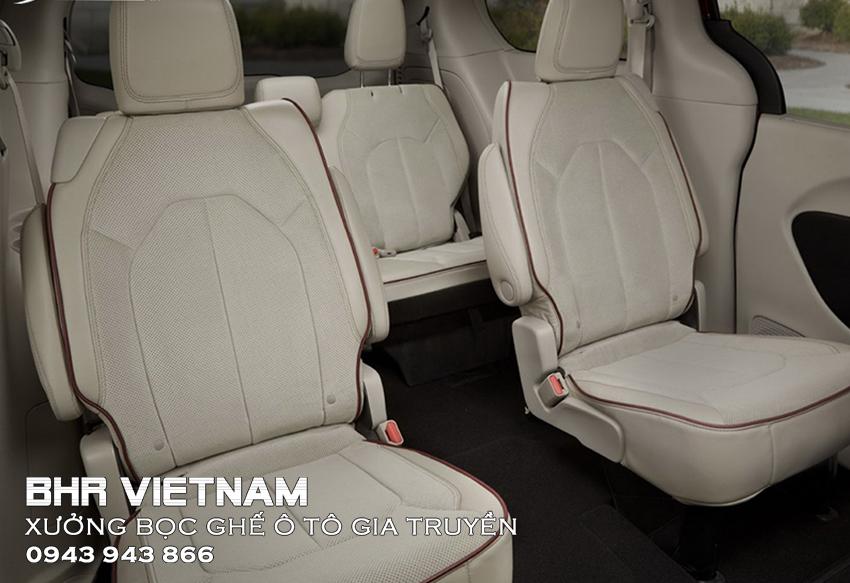 Bọc da ghế ô tô đục lỗ có ưu điểm thông thoáng hơn