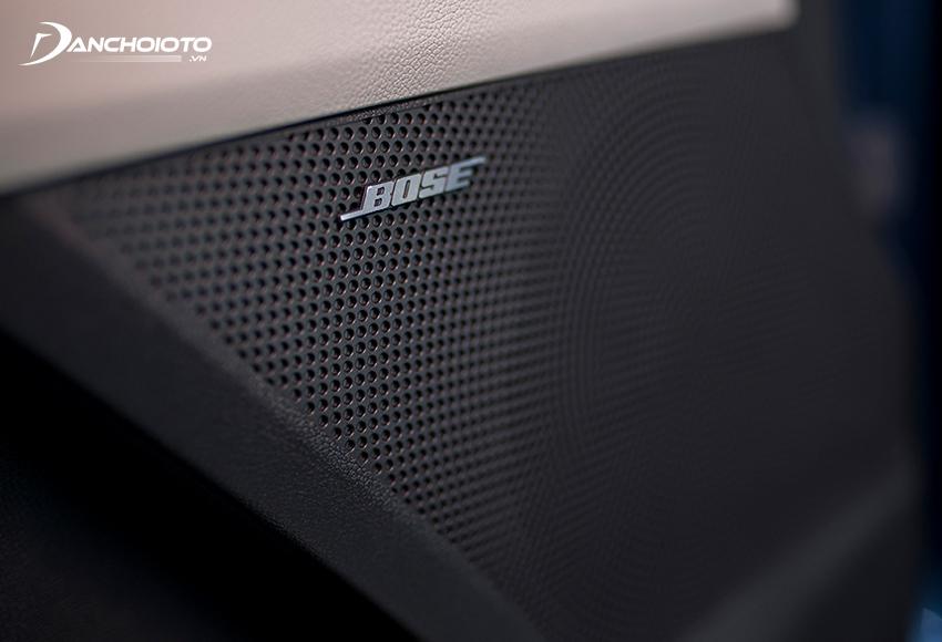 Các phiên bản Sorento Premium và Signature có âm thanh 12 loa Bose