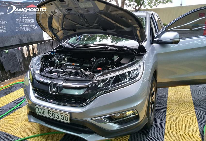 Cần kiểm tra kỹ khoang máy Honda CRV cũ
