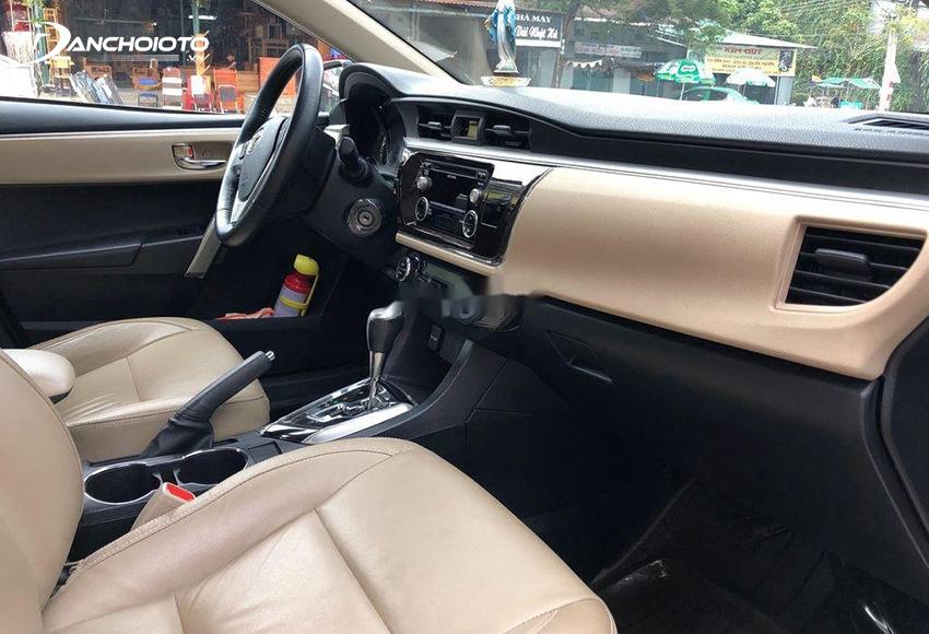Chú ý kiểm tra kỹ các chi tiết nội thất khi mua Corolla Altis cũ
