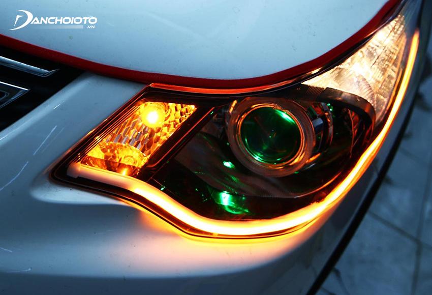 Có thể thay bóng xi nhan ô tô cũ này thành bóng đèn LED