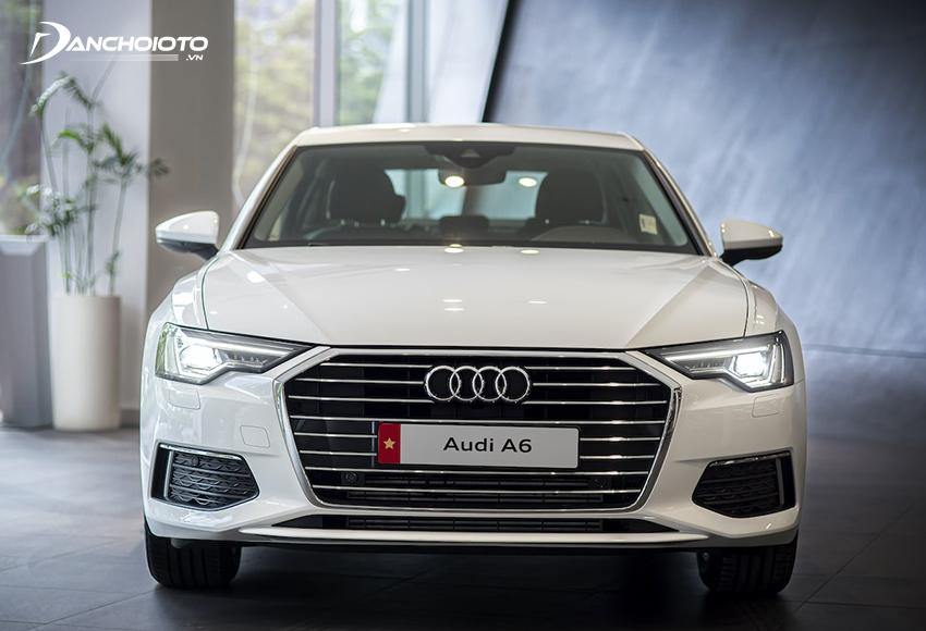 Đầu xe Audi A6 2020 cuốn hút với lưới tản nhiệt lục giác khung đơn được tinh chỉnh cân đối và hài hoà hơn