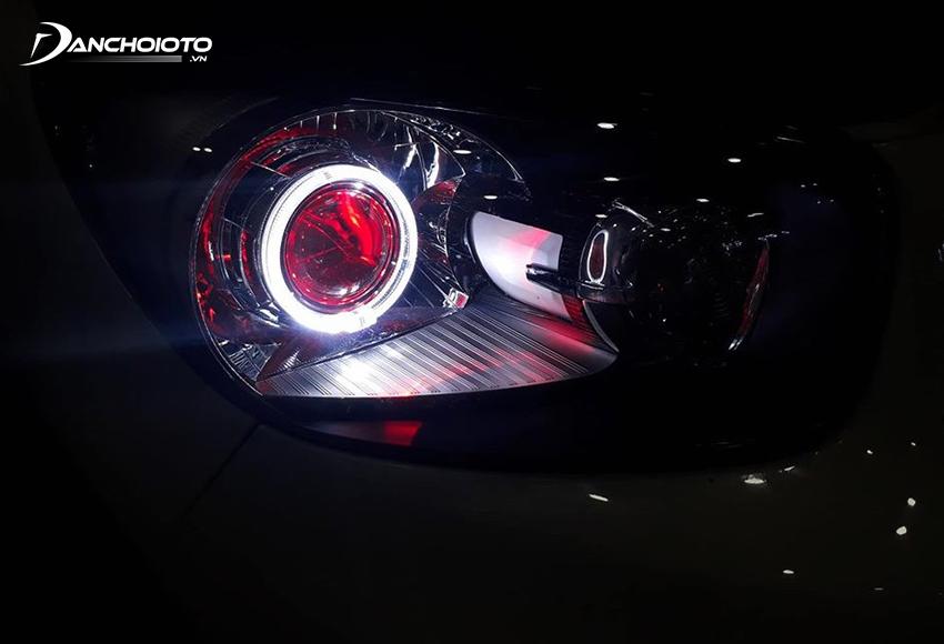 Đèn ở dạng vòng tròn LED bao quanh đèn pha