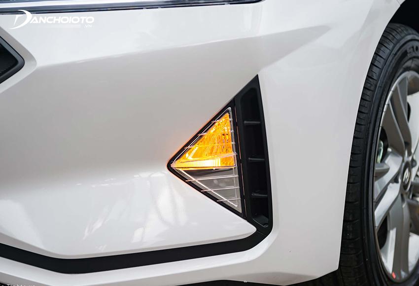 Đèn xi nhan ô tô giúp thông báo khi xe chuẩn bị chuyển hướng