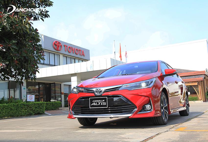 Điểm mới ở Toyota Corolla Altis 2021 là phần cản trước mởi rộng hơn