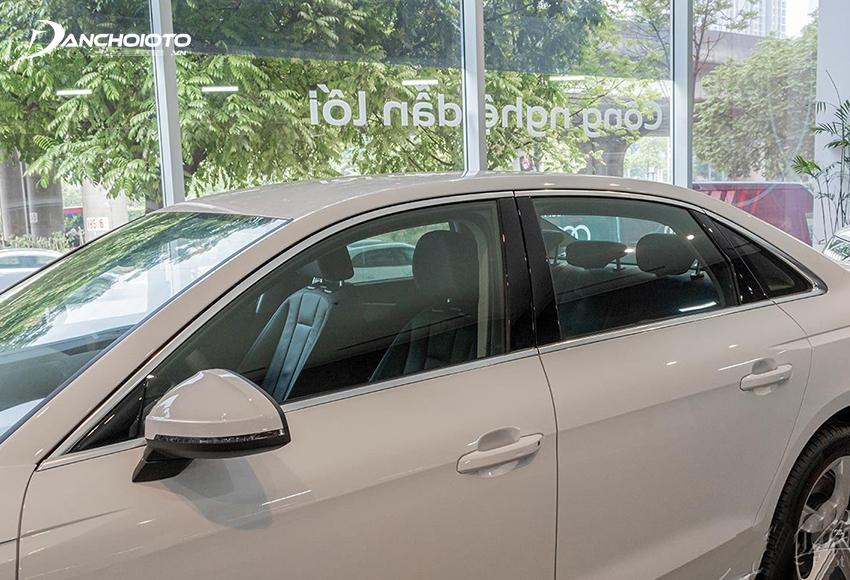 Gương chiếu hậu Audi A4 2020 tách rời cột A, trang bị đầy đủ tính năng