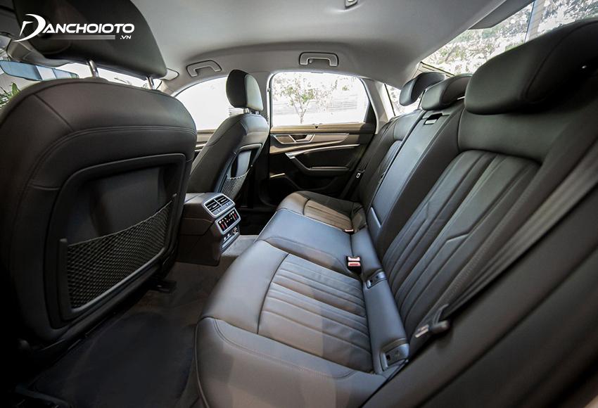 Hàng ghế sau Audi A6 2020 rộng rãi và thoải mái