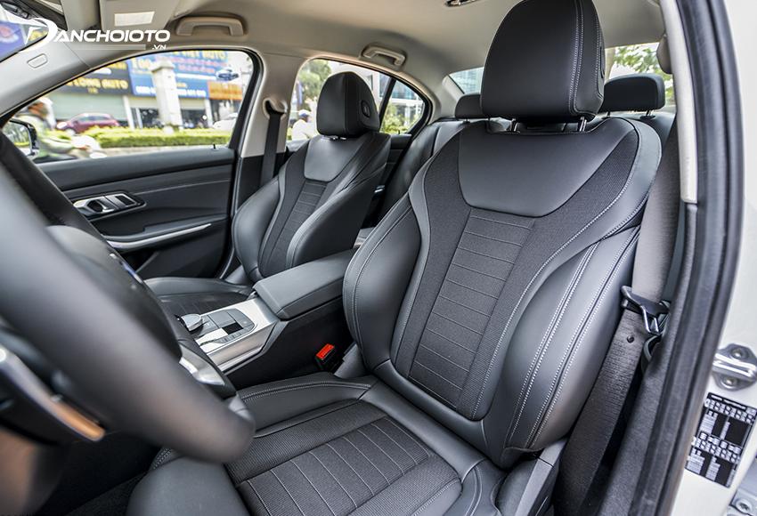 Hàng ghế trước BMW 320i 2020 phong cách thể thao chuẩn mực