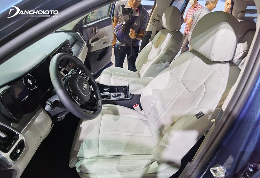 Hàng ghế trước Kia Sorento 2020 – 2021 thiết kế ôm thân người