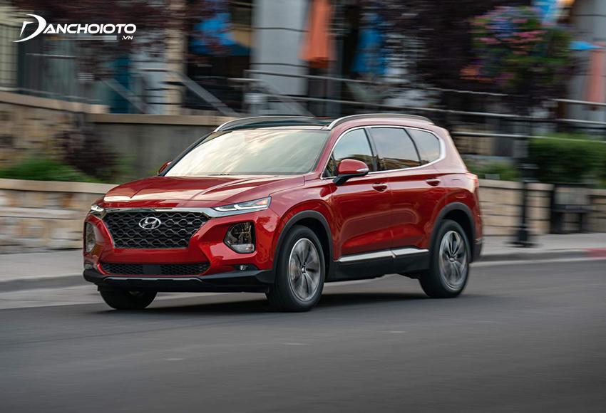Hyundai SantaFe có nhiều điểm tương đồng với Kia Sorento