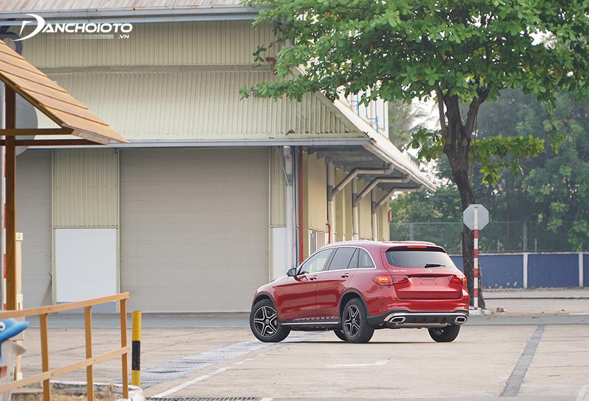 Mercedes GLC 300 4MATIC 2020 được trang bị hệ thống thích ứng treo thể thao Dynamic Body Control