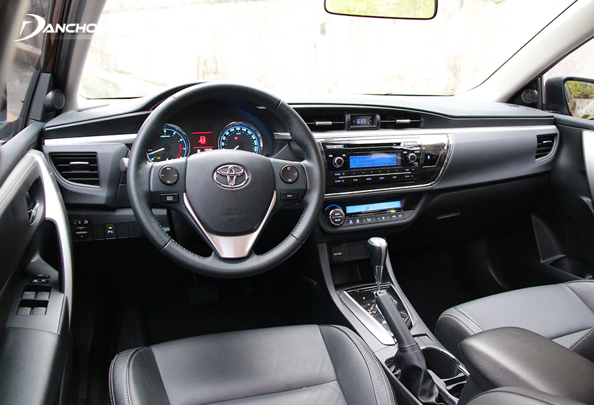 Nội thất Toyota Corolla Altis 2014 cũ