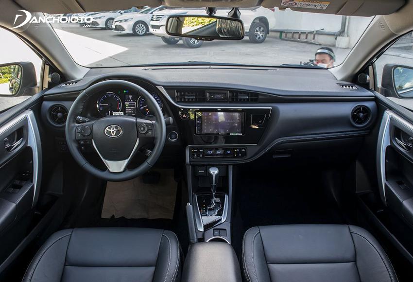 Thiết kế taplo Toyota Corolla Altis 2021 giữ nguyên như trước