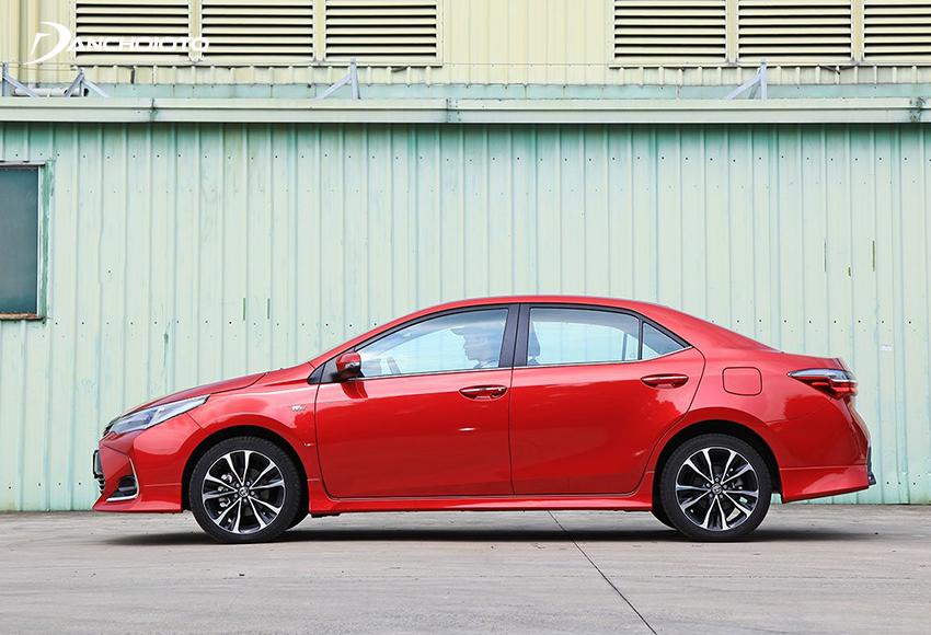 Thiết kế thân xe Toyota Corolla Altis 2021 không có nhiều sự khác biệt