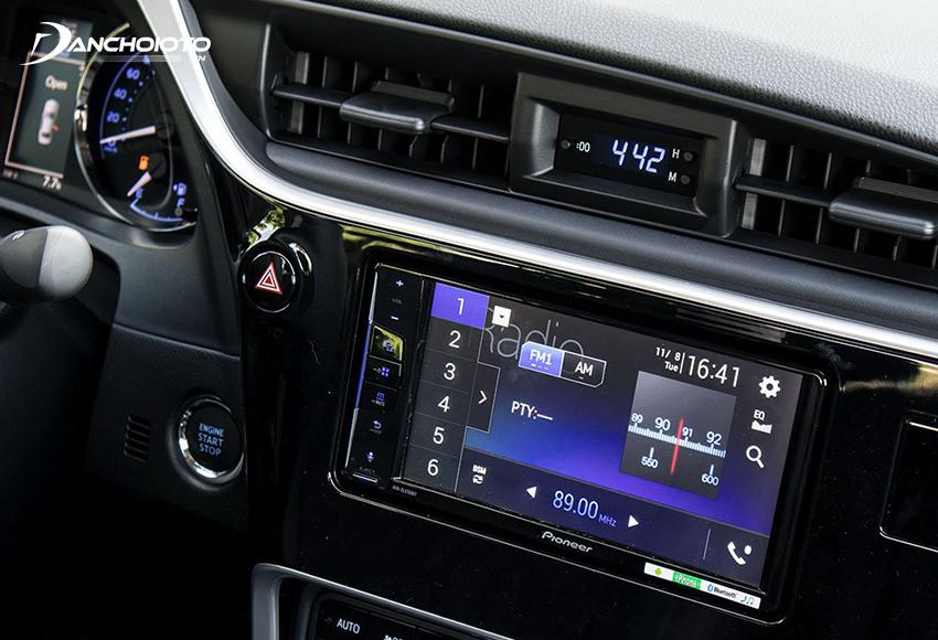 Toyota Altis 2021 được trang bị màn hình cảm ứng trung tâm 7 inch