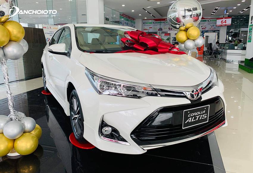 Toyota Corolla Altis 1.8E bị cắt giảm khá nhiều trang bị