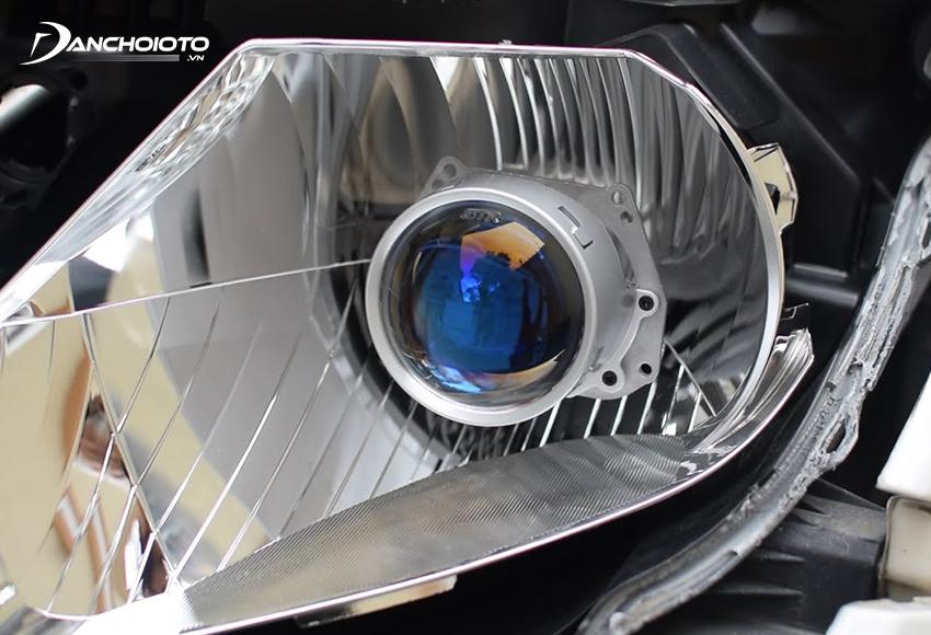 Việc nâng cấp đèn ô tô đòi hỏi phải am hiểu chuyên môn và có kinh nghiệm nhất định