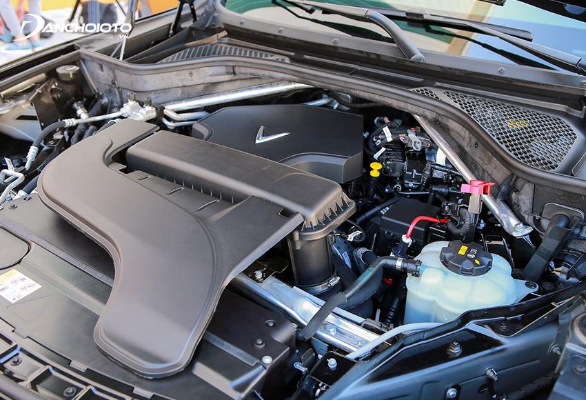 VinFast Lux SA2.0 2020 sử dụng động cơ tăng áp 2.0L tái thiết kế từ động cơ N20 của BMW