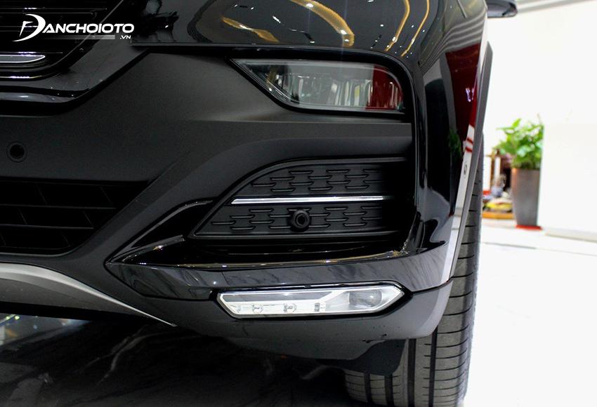 VinFast Lux SA2.0 2020 trang bị đèn pha LED bố trí thấp
