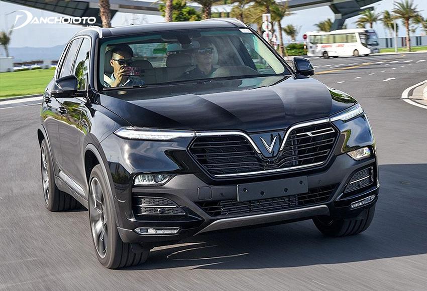 VinFast Lux SA2.0 mang đến cảm giác lái có màu sắc của BMW