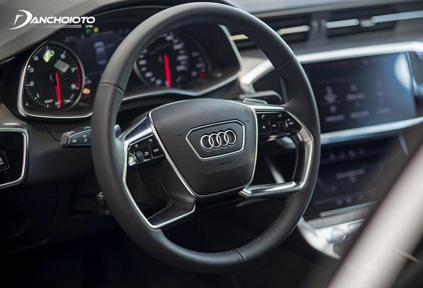 Vô lăng Audi A6 2020 cùng kiểu dáng A8 với thiết kế 4 chấu độc đáo, bọc da thể thao