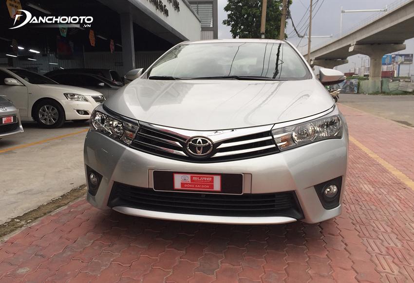 Xe Toyota Corolla Altis 2015 cũ