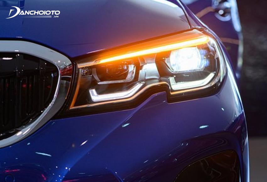 BMW 330i M Sport được trang bị đèn LED thích ứng thông minh