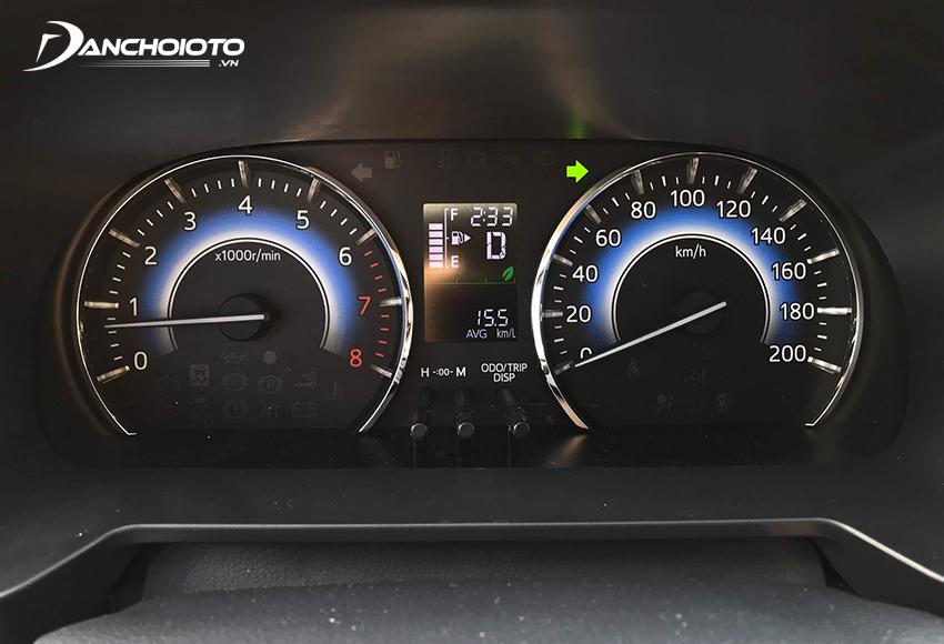 Cụm đồng hồ Toyota Rush 2020 theo kiểu truyền thống đơn giản