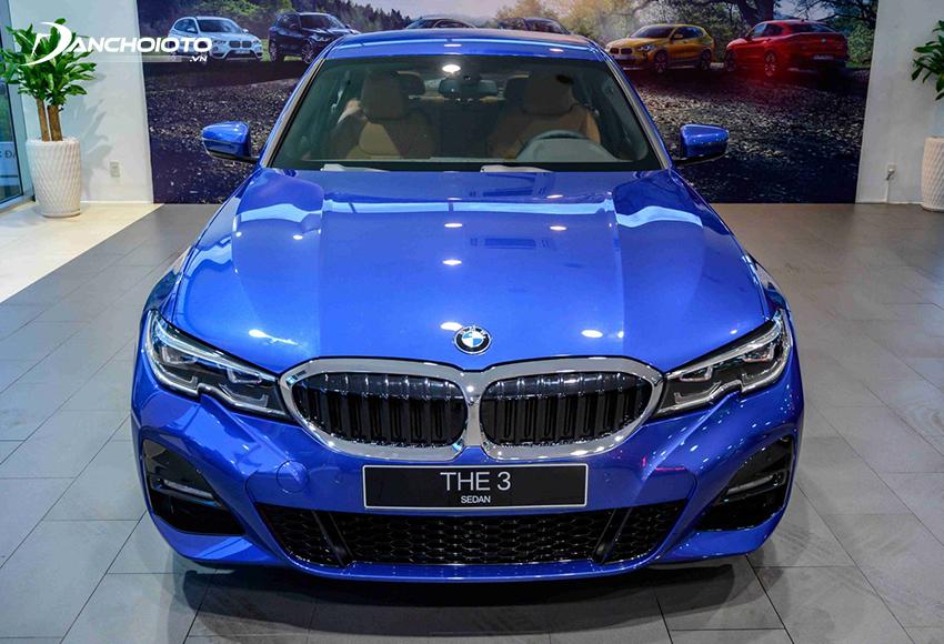 Đầu xe BMW 330i M Sport 2020 đầy mạnh mẽ và cuốn hút
