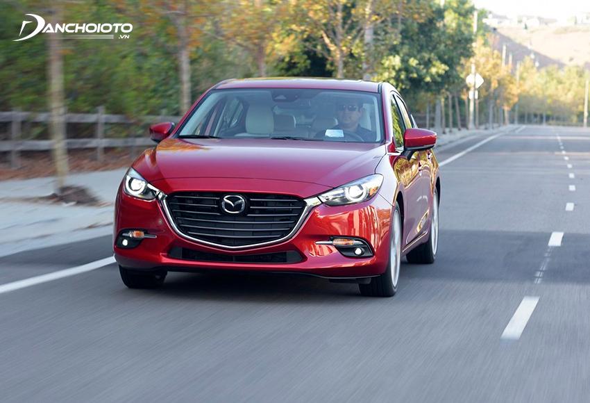 Để kiểm tra xe Mazda 3 cũ nên chạy thử nhiều kiểu đường khác nhau
