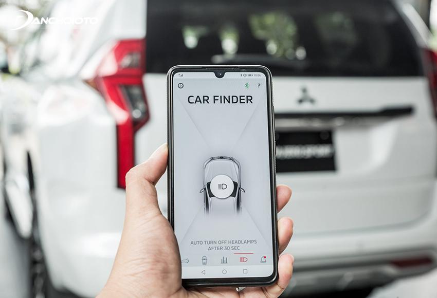 Điều khiển xe qua ứng dụng điện thoại là một tính năng rất nổi bật trên Pajero Sport 2020 mới