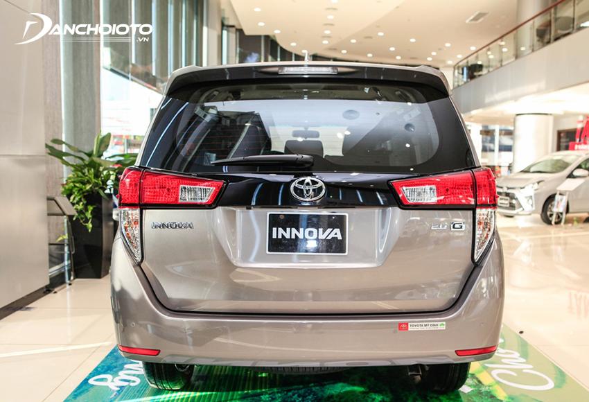 Đuôi xe Toyota Innova 2020 không thay đổi