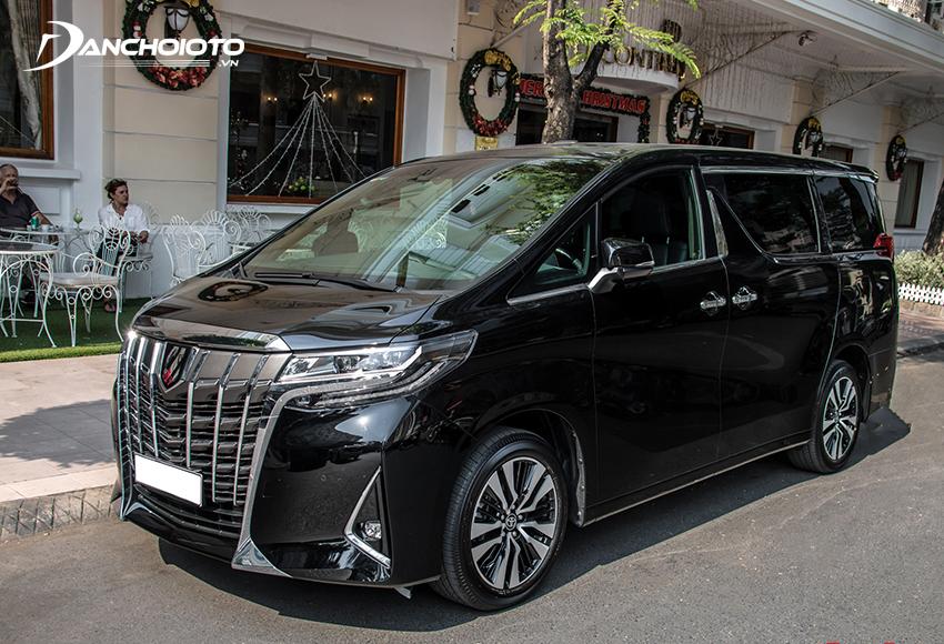 Giá xe Toyota Alphard Luxury 4.038 triệu đồng