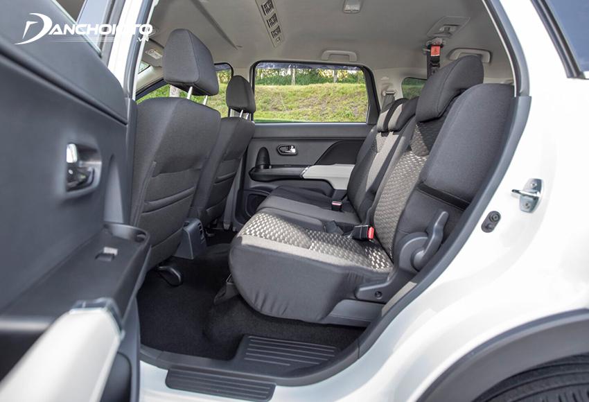Hàng ghế thứ 2 Toyota Rush khá tốt