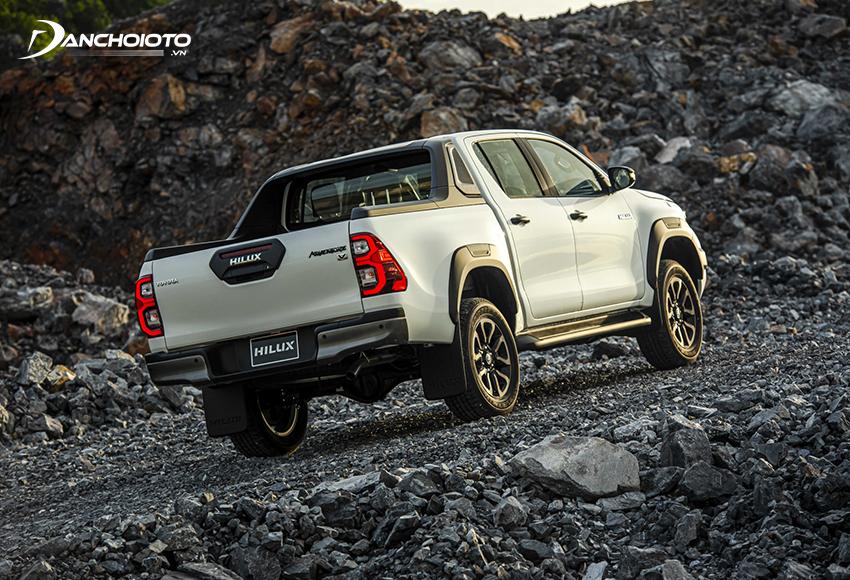 Hệ thống dẫn động 4WD mang đến cho Toyota Hilux cho khả năng off-road linh hoạt